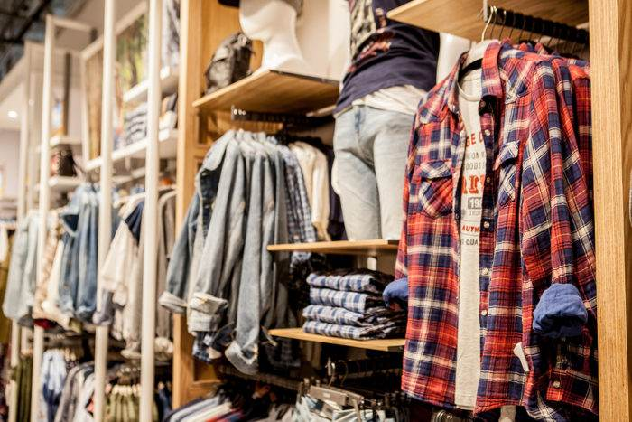 trade-marketing-ropa-tienda-exhibicion-retailer-comprar